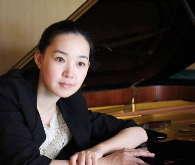 Xiaona Zhou